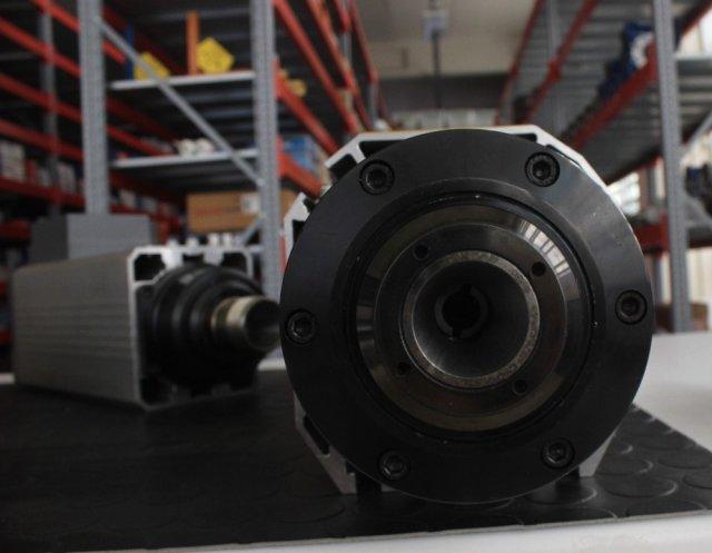 Bursalı Firma, 800 Euroya İthal Edilen Motorun Yerlisini Yapıp 80 Euroya Dünyaya Satıyor