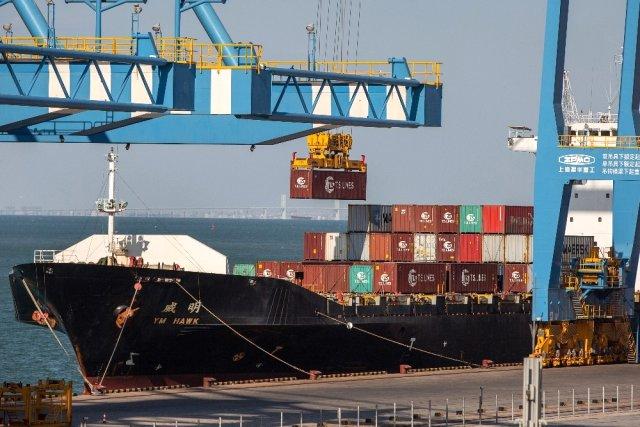 ABD, Çin mallarından yüzde 25 vergi almaya başladı